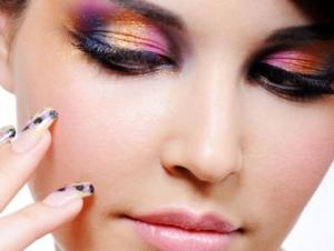 mulher-maquiada